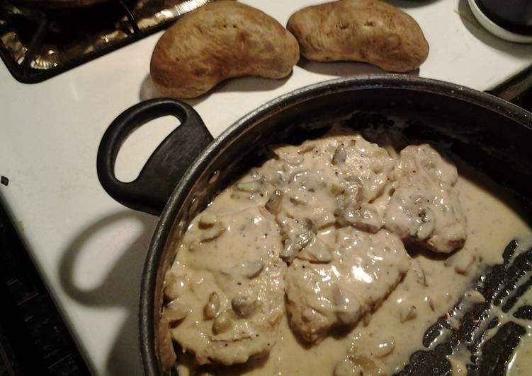 Rich Pork Chops & Gravy