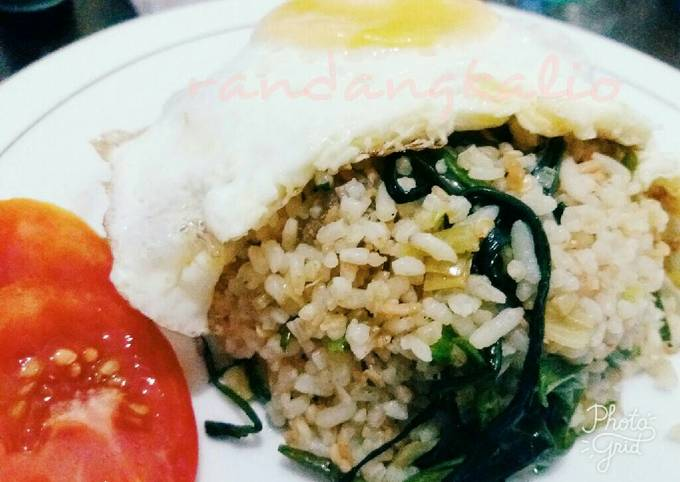 Nasi goreng kampung (ala anak kosan)