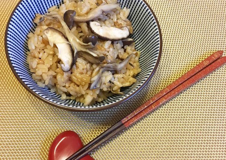 "Japanese ""Kinoko Takikomi Gohan"" the Rice cooked with Soy Sauce and Mushrooms"