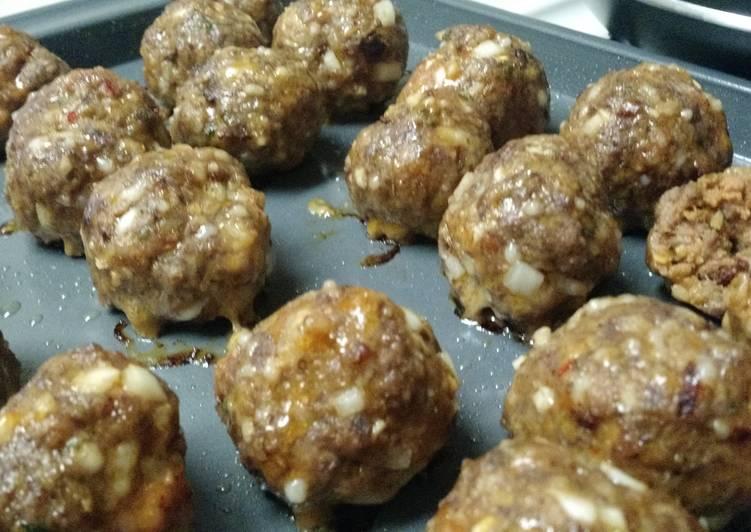 Bucci's Meatballs
