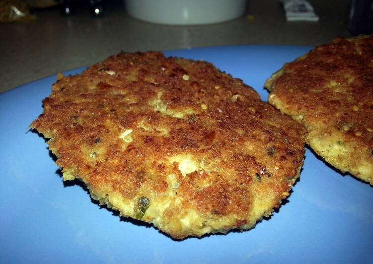Steps to Make Any-night-of-the-week Garlic Parmesan Salmon Patties