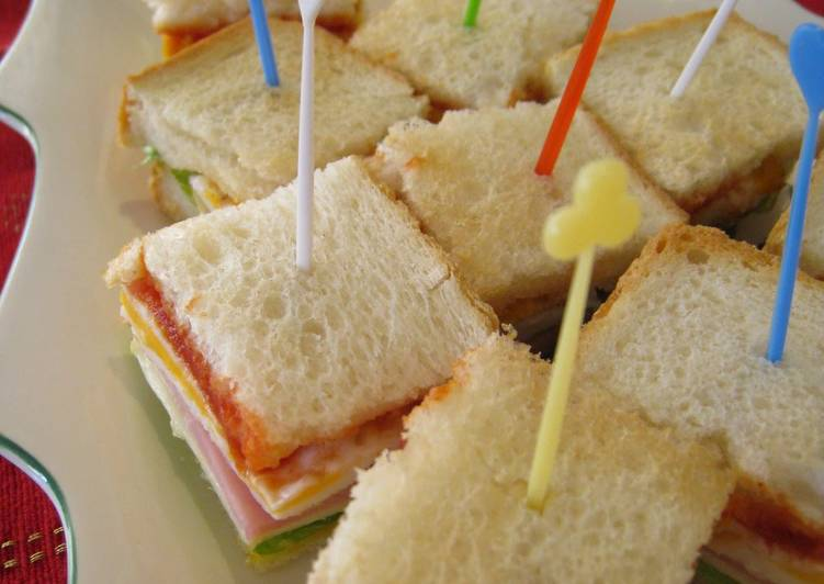 Recipe: Yummy Christmas Cocktail Sandwiches