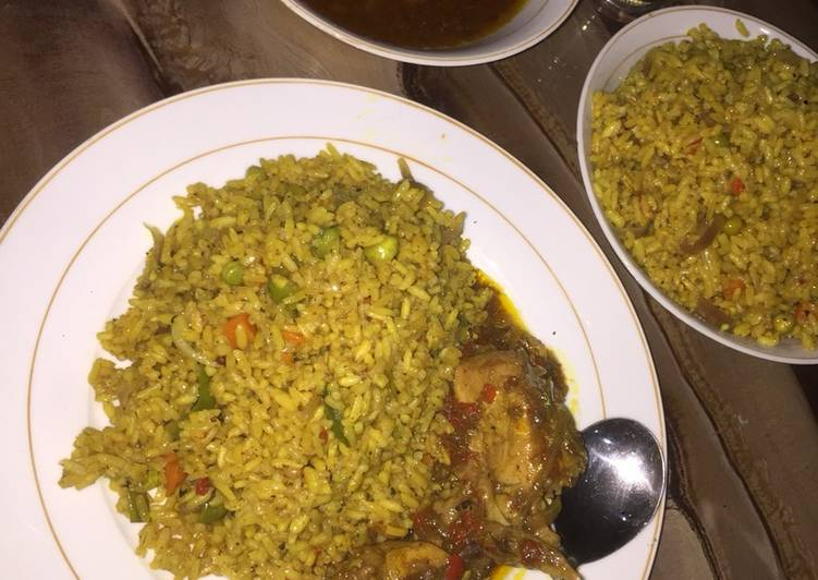 Fried rice with chicken pepper sauce