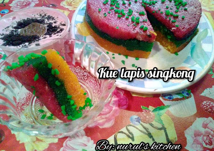 Cassava rainbow cake (kue lapis pelangi singkong)