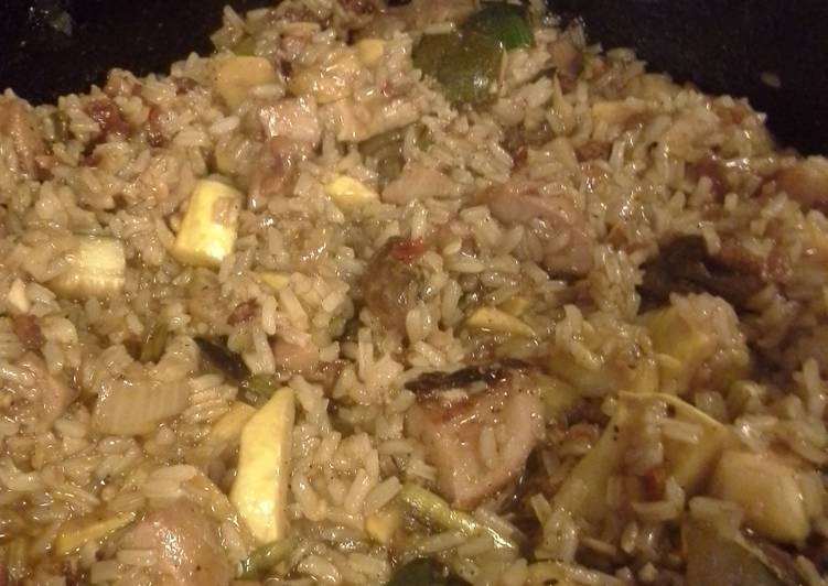 Grilled pork and vegetables fried rice