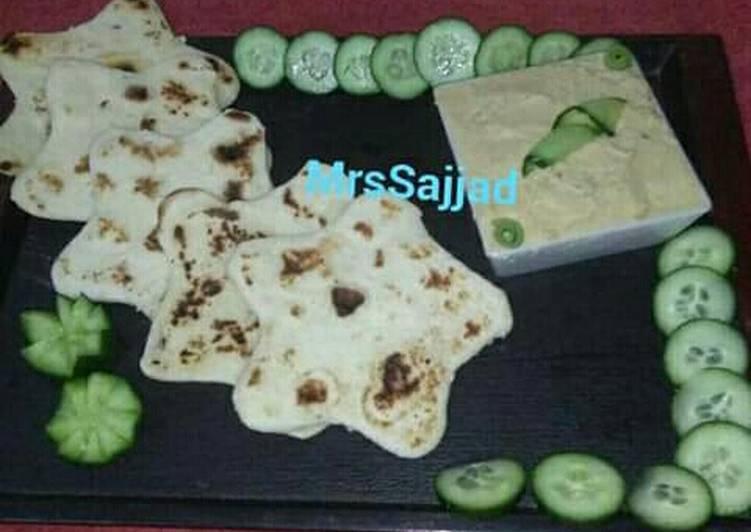 Recipe of Homemade Hummus With Pita Bread #SehriContest #CookpadSehri
