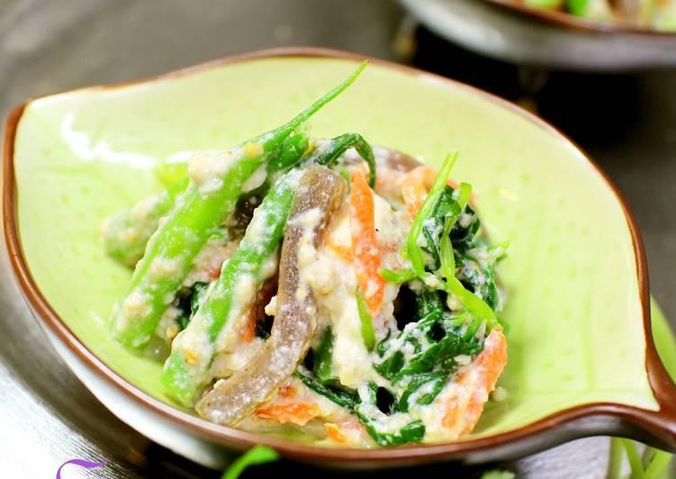 Steps to Prepare Super Quick Homemade Konnyaku, Mitsuba and Walnuts Salad with Mashed Tofu
