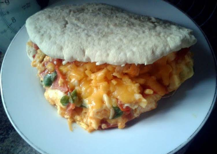 Pizza-Style Eggs in Pitta Bread