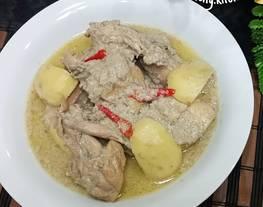 Ayam Gulai Putih (Opor Ayam)