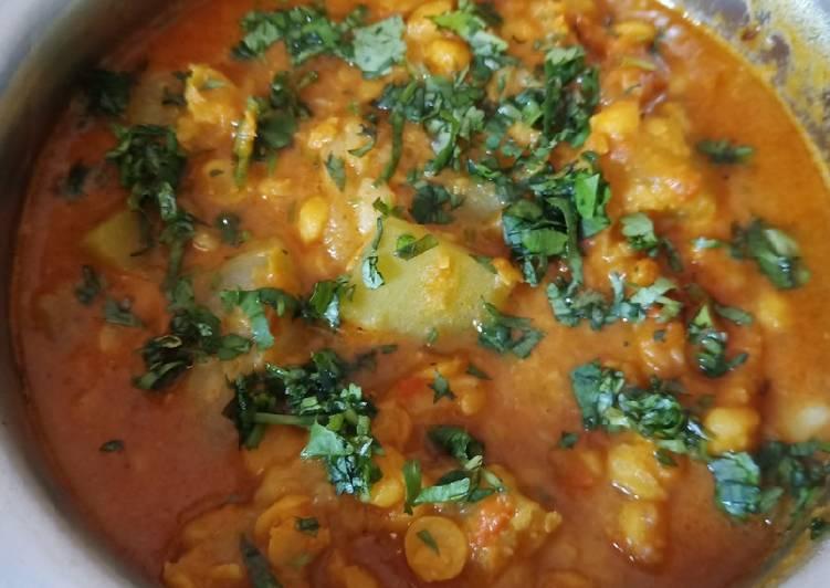 Lauki (gourd) Chana Dal Curry