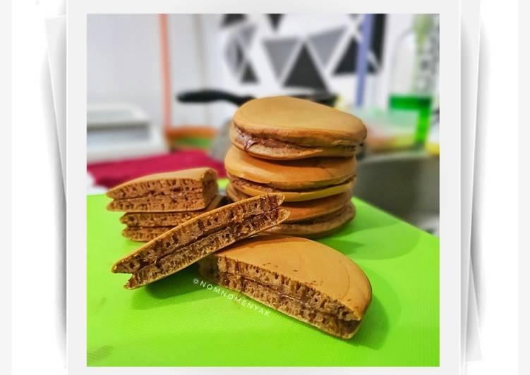 Dorayaki Milo isian Nutella