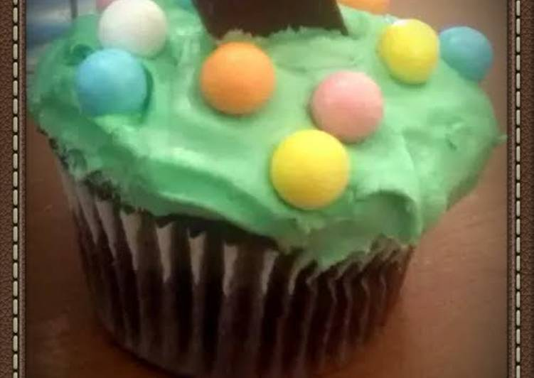 Step-by-Step Guide to Prepare Favorite kaylas mint chocolate cupcakes