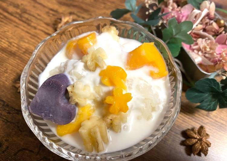 Fruits Coconut Milk with Sweet Sticky Rice