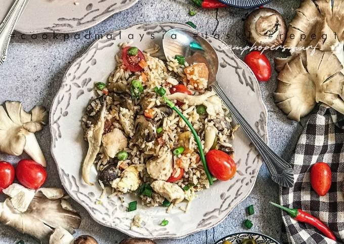 Nasi Goreng Ayam Cendawan