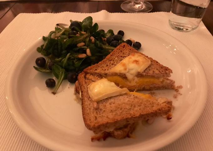 Camembert-Mango-Lachs-Toast