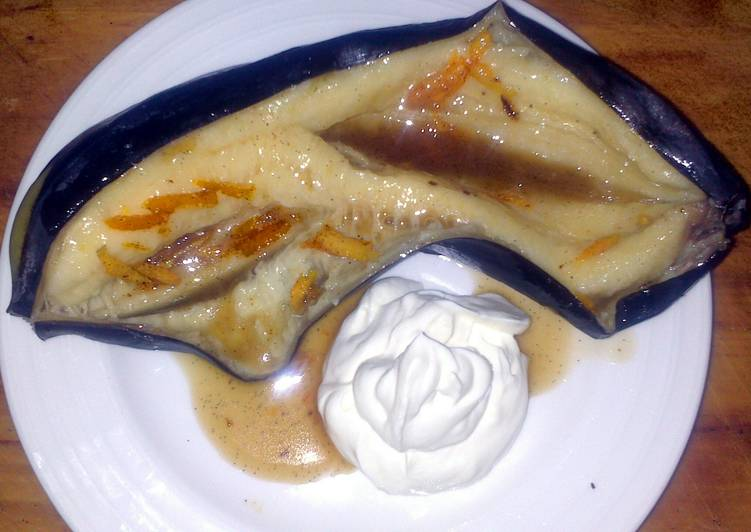 Sig's golden grilled banana with a spicy vanilla filling and mascarpone.