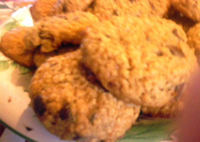 Secret to Baker Really Good Oatmeal chocolate chip cookies