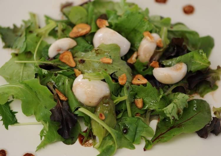 Tropical Crispy Garlic Salad
