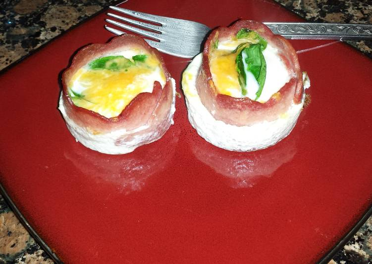 Low Carb Bacon and Egg Cupcakes