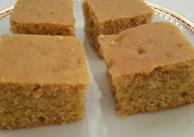 Vegan turmeric cake