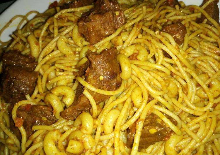 Fried spaghetti with macaroni