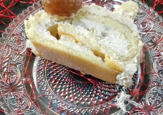 Bûche gâteau roulé, mousse à la crème de marron maison, poires