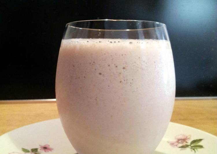 AMIEs Banana Strawberry Smoothie
