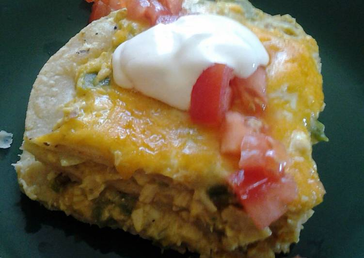 Green chili chicken enchilladas
