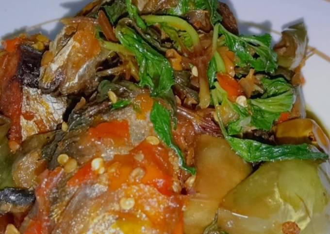 sambal ikan laut terong tempe & kemangi super dower 🤤 - resepenakbgt.com