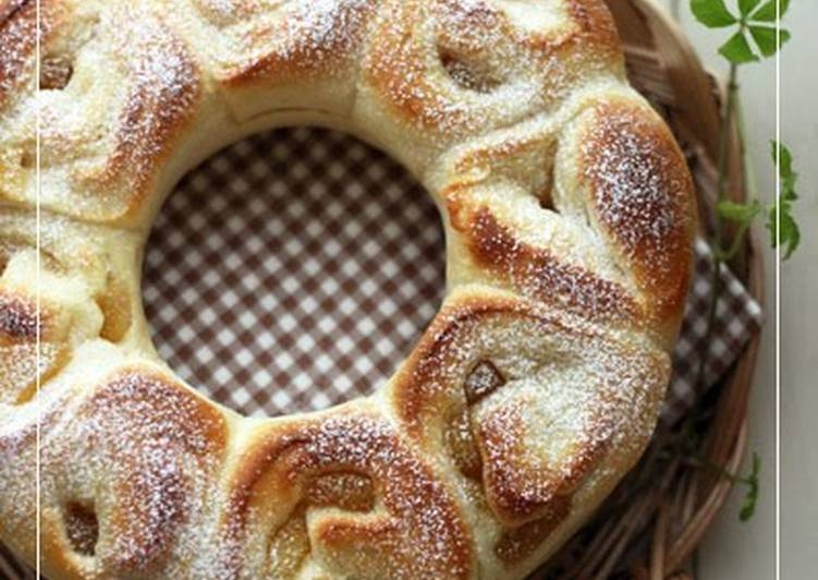 Recipe of Quick Soft and Fluffy Apple Ring Bread Using a Bread Machine !