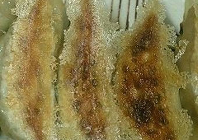 Juicy & Crispy Meat Gyoza Dumplings