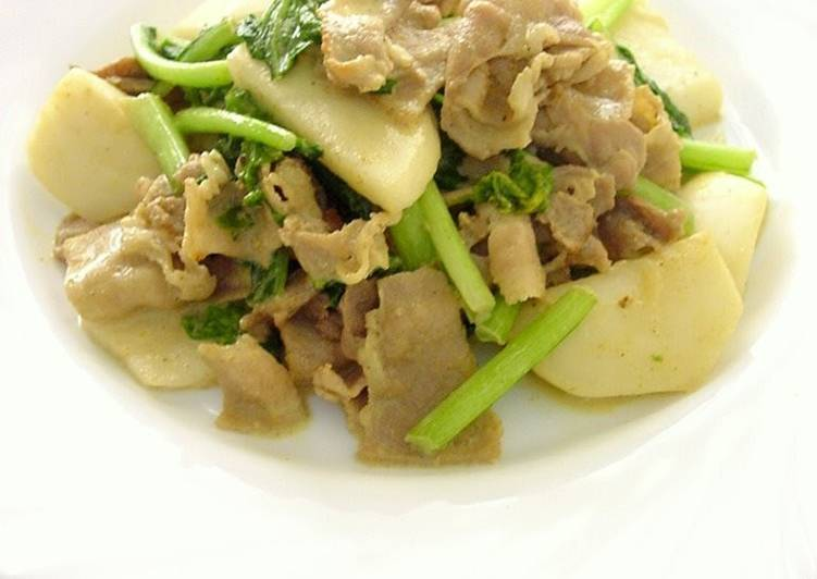 Recipe of Favorite Turnip & Pork Belly Curry Stir-fry