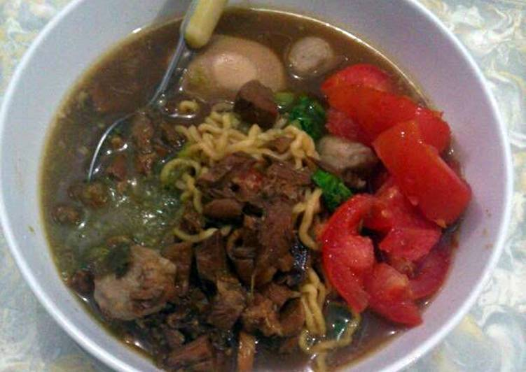 Chicken Noodles with Eggs and Meatball, Helping Your Heart with Food