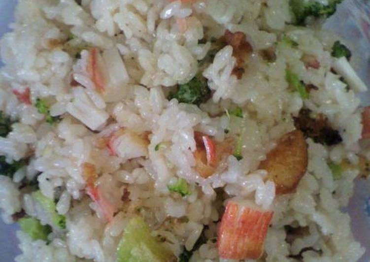 Eat These 14 Superfoods to Go Green for Optimal Health Imitation Crab Stick & Broccoli Ten-don Style Mixed Rice