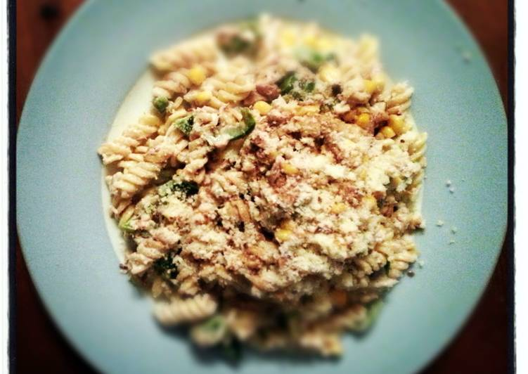 Easy, fun, tuna pasta salad!