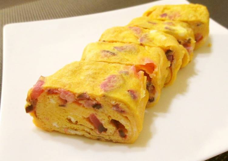 Recipe of Perfect For Bentos! Spring-Colored Tamagoyaki using Shibazuke Pickles