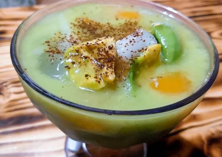 Es Aldecok (alpukat degan nata de coco kolang kaling)