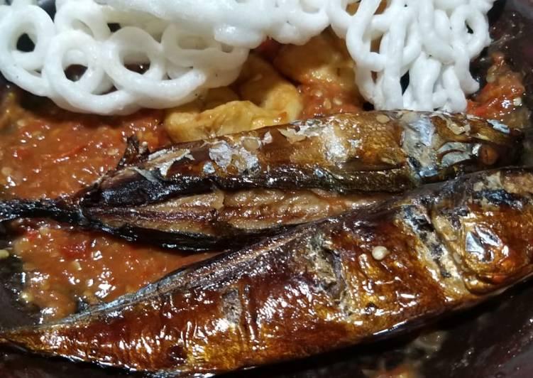 Ikan Asap Sambal Tomat