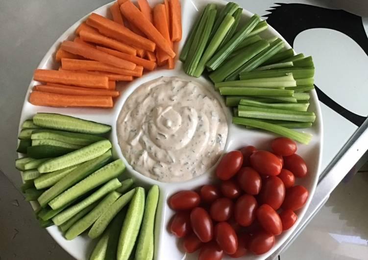 Légumes frais à croquer sauce citron persil et menthe