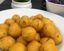 Sala lauk (Sala Lauak)/ bola-bola ikan,khas Pariaman Sumatera Barat