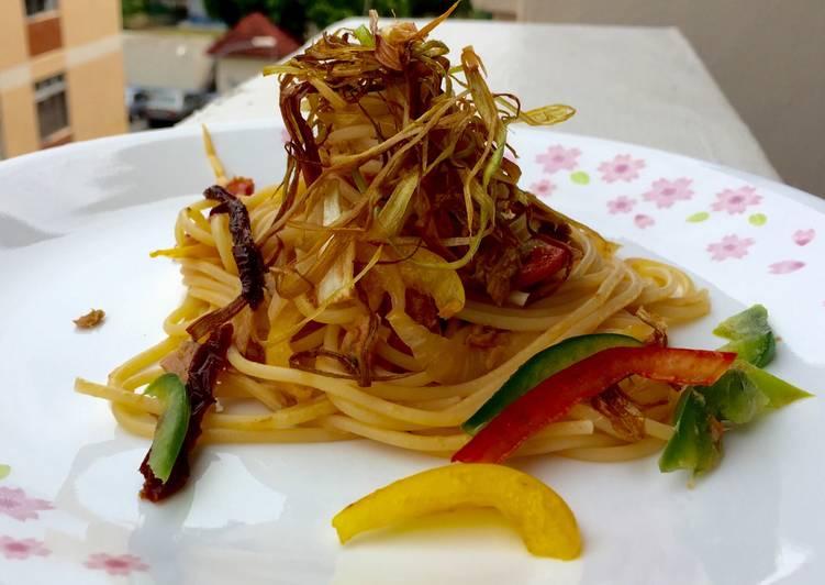 Tuna Spaghetti with SunDried Tomato and Leeks