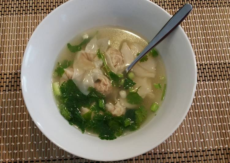 How to Prepare Super Quick Homemade Turkey Broth Wonton Soup
