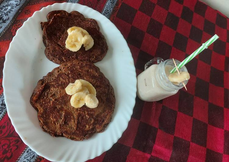 Living Greener for Good Health By Consuming Superfoods Banana pan cake with banana shake