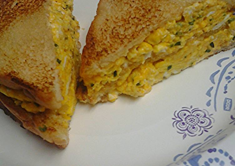 Egg and chives sandwich