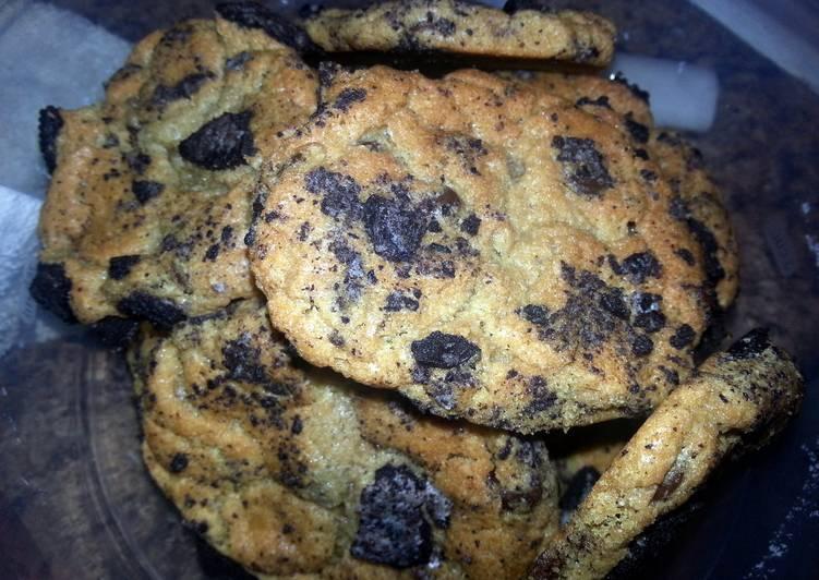 Chocolate Chip Oreo Blast Cookies!