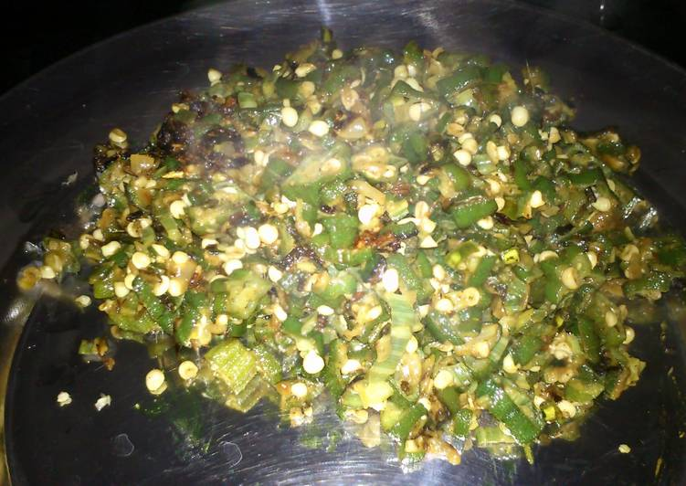 Recipe of Super Quick Homemade bhindi fry(stir fried okra in indian spices)