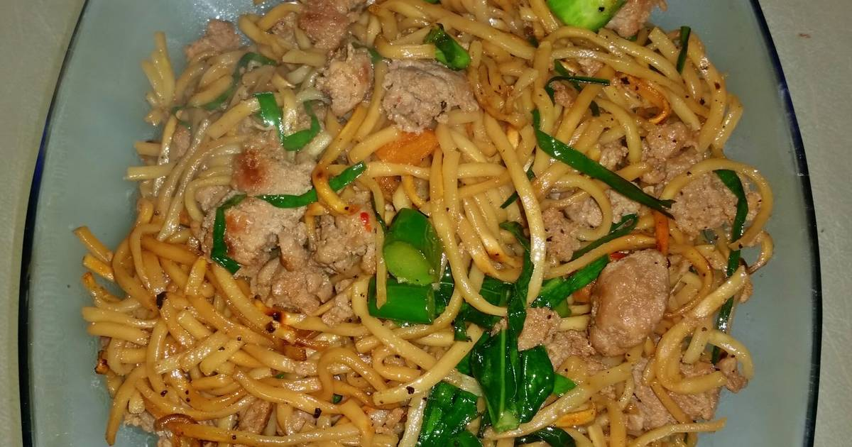 Cantonese Style Pan Fried Noodles Recipe By Fo Fa Cookpad