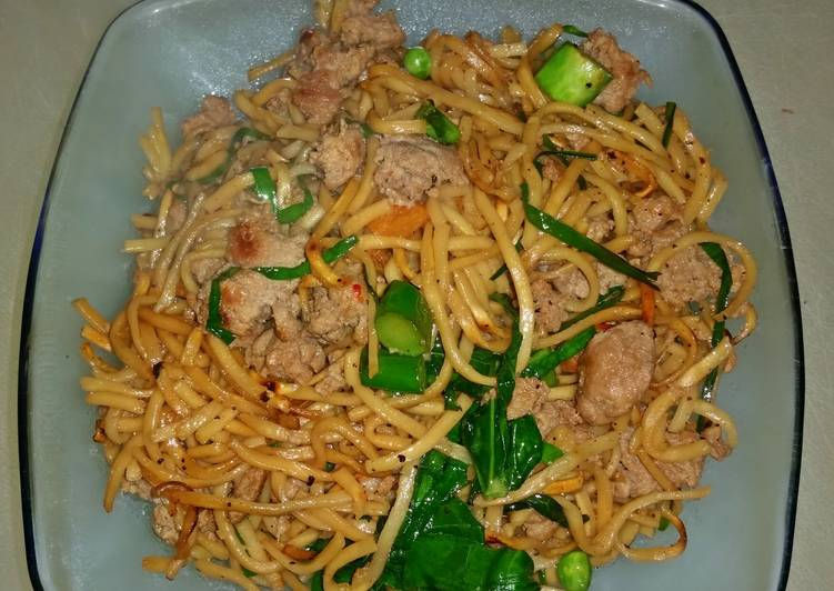 Recipe of Homemade Cantonese Style Pan Fried Noodles