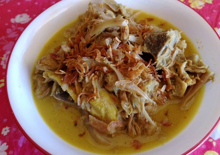 Sayur gori balung kambing (jackfruits curry)