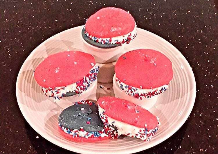How to Make Delicious Patriotic Whoopie Pies